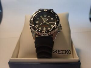 SEIKO SKX013 Analog Automatic Black Dial Black Rubber 200m Diver's Men's Watch