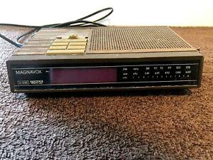 VINTAGE 1980s MAGNAVOX D3240 ALARM CLOCK RADIO TESTED WORKS GOOD FREE SHIP