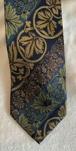 Very cool Guy Laroche 100% pure silk mens neck tie with ornate floral patterns