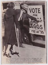 VOTE FOR HAM AND EGGS * Los Angeles California * Classic VINTAGE 1938 photo