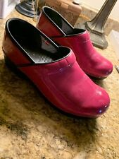 Sanita Professional Stapled Pink Patent Leather CLOGS Size 39 9