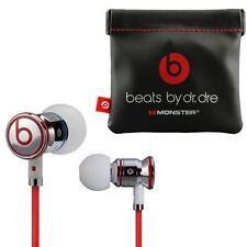 Auricolari e cuffie bianche di marca Beats by Dr. Dre