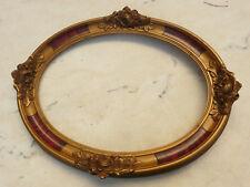 Ancien grand cadre ovale Art Déco en bois et stuc doré décor de roses 40X30.5cm