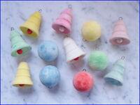12 x Glocken und Kugeln aus Watte mit venezianischem Tau (# 6509)