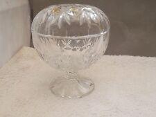 Con coperchio crystal bowl su un gambo corto e piede Foglia stilistica Modello No Maker