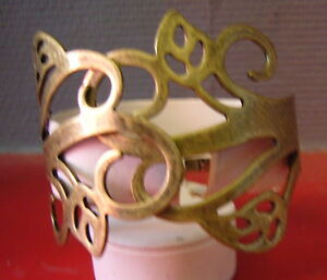 VERY NICE,bracelet antique bronze or brass, representing flowers