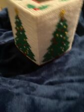 Vtg Crochet Tissue Box Cover Christmas Tree With Ornaments & Mistletoes