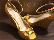 Gucci Patent Leather Horsebit Peep Toe Wedge Straw Sandals w/Dstbg Sz 8