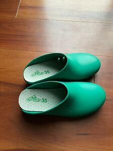 Calzuro ClogsShoes Sz 35-36 Italian made Green, Autoclavable, Nursing, Medical