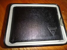 Guess Wallet for men : Black: 3 Bifold. Faux leather
