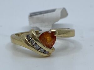14KYG .05 CTW Trillion Synthetic Citrine & Round Diamond Ring (RO1035943)