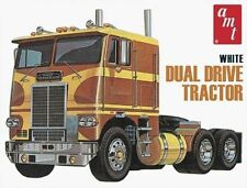AMT 1:25 White Freightliner Truck  Dual Drive Cabover Model Kit AMT620