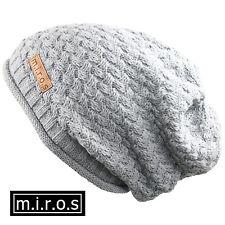 MUJER LARGA Gorro Nicky gris claro / hecho a Mano de invierno M. I. r.o.s