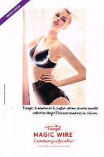 PUBLICITE ADVERTISING 045  2014  TRIUMPH  soutien gorge  MAGIC WIRE