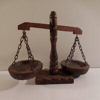 Balance décorative en bois vintage fait main art déco design XXe France N3657