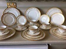 "Royal Doulton "" Belmont"" Six Setting Fine Bone China Dinner Service.H4991."
