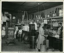 Press Photo Clay City Country store of Wa McKee in Clay City In - nera12296