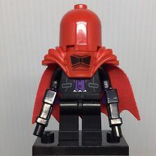 LEGO Batman Movie Collectible coltlbm-11 Red Hood Minifigure w Guns & Stand
