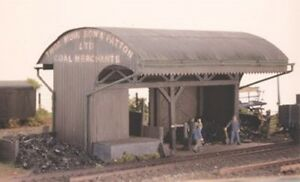 Coal or Builders Merchant Depot - Ratio 525 - OO/HO Building Kit - P3