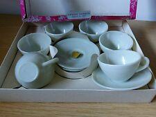 6 Tasses et soucoupes à Café. Design 1930. Opaline . Arcopal, Duralex Vereco ??