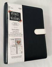 The Paper Studios, Agenda 52, Planner Black & White, Petals & Blooms Undated