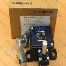 1PCS New New SCHMERSAL Limit switch MD441-11Y-2512 #Q4931 ZX