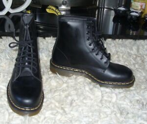 DR MARTENS boots BLACK SMOOTH size 8 - NEW WITHOUT BOX