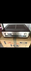 Accuphase T105 FM Tuner