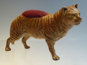 COLD PAINTED BRONZE CAT PIN / HAT PIN CUSHION