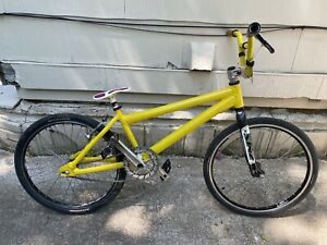 Vintage 05-07 Yellow Crupi BMX Racing Bike SINZ Kovachi Rhythm UNI