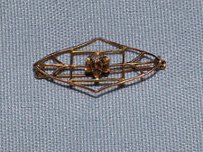 VINTAGE 1900S DIAMOND IN FLOWER  GOLD WIRE FRAME  PIN