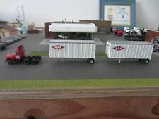 Ho 1/87 Athearn #93147 Mack R Tractor w/2-28' Trailers APA, Custom Mack Tractor