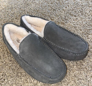 UGG ASCOT 1101110 Charcoal Mens Slippers Authentic Size 11; Water-Resistant~NEW