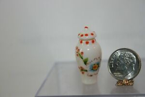 Miniature Dollhouse PRETTY Porcelain Handpainted Floral Temple Jar w Lid 1:12 NR