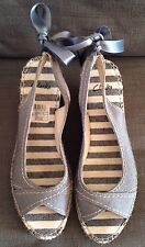Clarks Grey Canvas Fabric Palace Lady Peep Toe Wedge Sandals Size 7 41 Worn Once