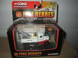 CORGI FIRE heroes 1934 mack tow truck  2002 1/64 recovery vehicle