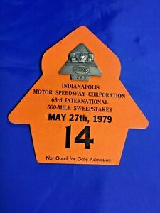 Indianapolis Indy 500 1979 SILVER PIT BADGE & Raceday Backer RICK MEARS Wins #1