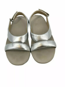 Fitflop superlight Ringer leather sandals womens 7 Silver hook loop ankle strap