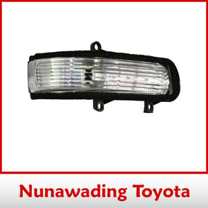 Genuine Toyota Camry Right Hand Side Turn Signal Lamp Assembly