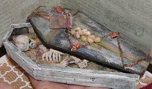 Dollhouse Miniatures Halloween Ancient Vampire Corps in Rustic Coffin