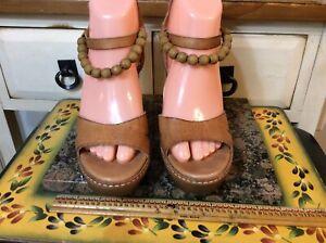 UGG Naima Sandals Platform Wood Heels Tan Leather Ankle Buckle Bead Strap Sz 6.5