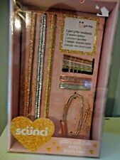 SCUNCI GLITTER AND FLAIR MAKES HAPPY HAIR HEADBANDS BOBBYS 18 PC. HAIR GIFT SET