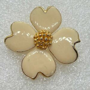 Vintage DOGWOOD FLOWER BROOCH Pin White Enamel Gold Tone Costume Jewelry
