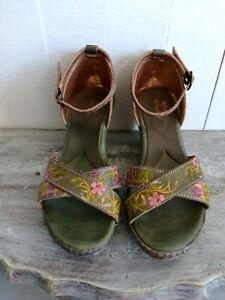 Spring Step Tribute Green Leather w Flower EU 37 US 7 Platform Dress Sandals