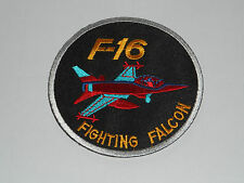 NOVELTY MILITARY SEW ON / IRON ON PATCH:- F16 FIGHTING FALCON (a) WHITE EDGE