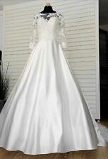 Robe de mariée Pronuptia Taille 38 blanc cassé à volume en satin et dentelle