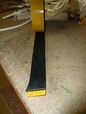 RUBBER STRIP Autoadesivo appoggiato 50 mm x 2.5 mm x 700mm ROLL