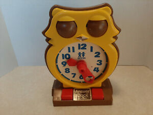 Vintage 1975 Tomy Answer Clock Wise Owl Clean Works Great Shelf G3