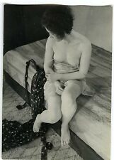 Pin-up photo femme lingerie sexy woman circa 1930 peau laiteuse