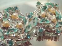 Vintage 60's Very Pretty Enamel Rhinestone Faux Pearl Flower Clip Earrings 613M1